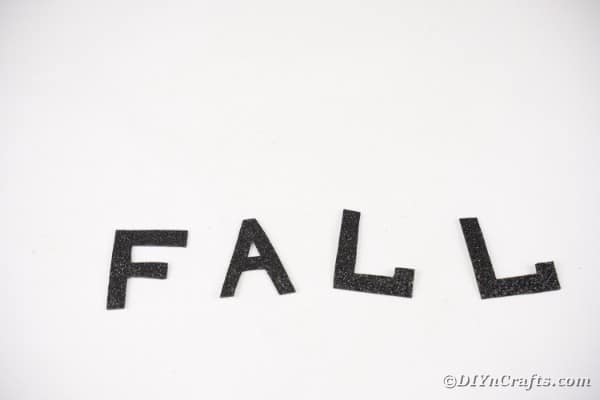 The word fall in letters