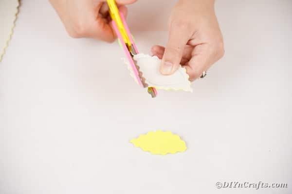 Cutting out foam paper leaf