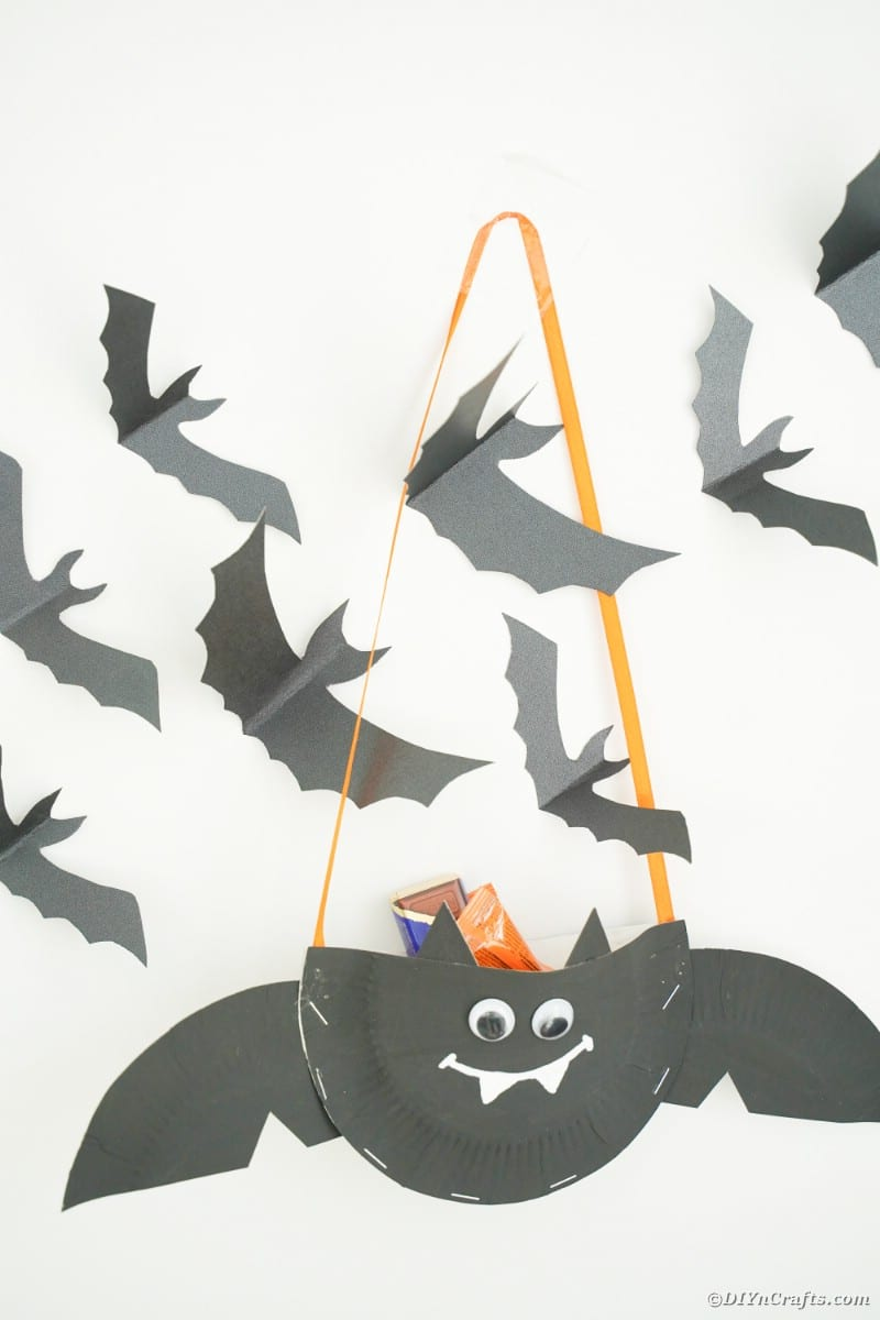 Paper plate bat with mini bats