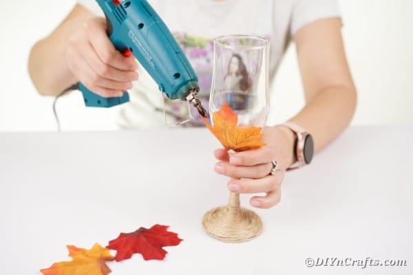 Gluing leaf to stemware