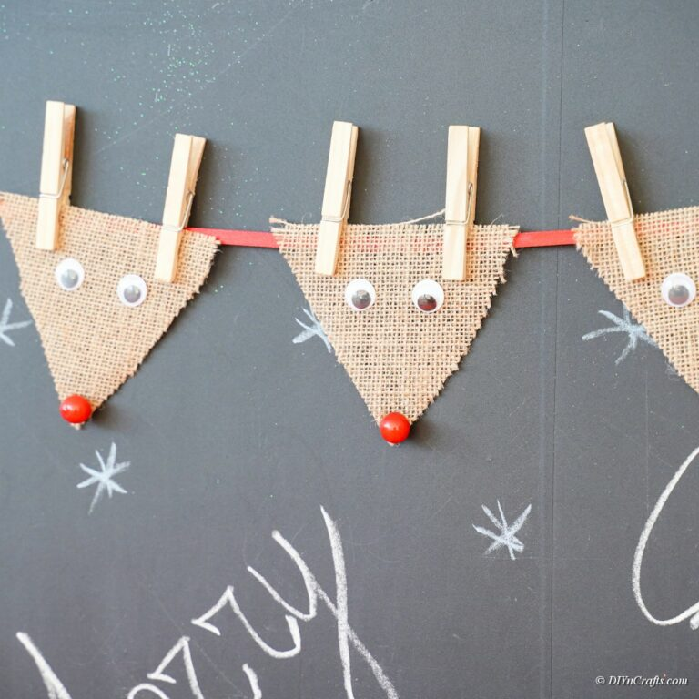 Cute Hanging Burlap Reindeer Garland Decoration
