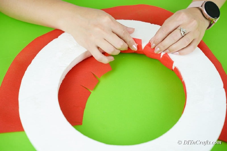 applying to foam ring wrapping paper