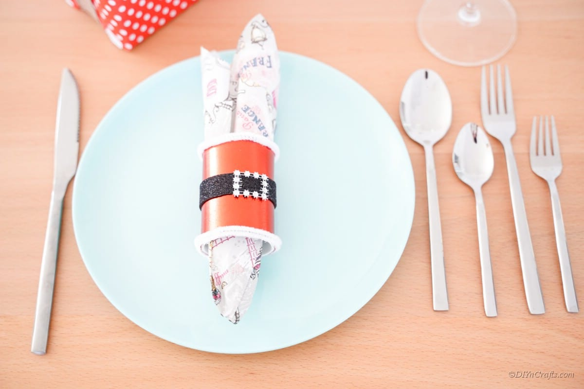 Napkin holder accessory Santa themed design