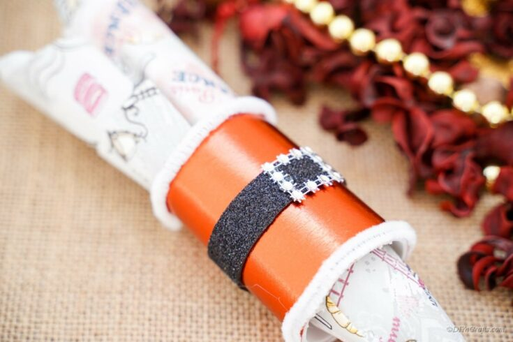 Santa belt napkin ring holder