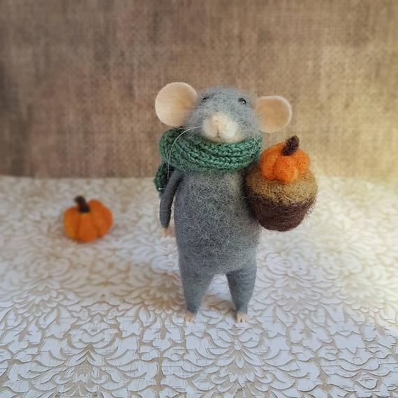 Needle felted mouse with pumpkin Thanksgiving decor Needle   Etsy
