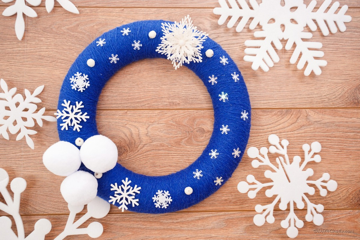Winter wreath ring with white snowflakes