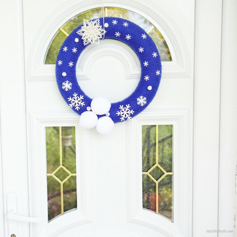Gorgeous Homemade Snowflake Christmas Wreath