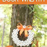 Spooky eye wreath on tree