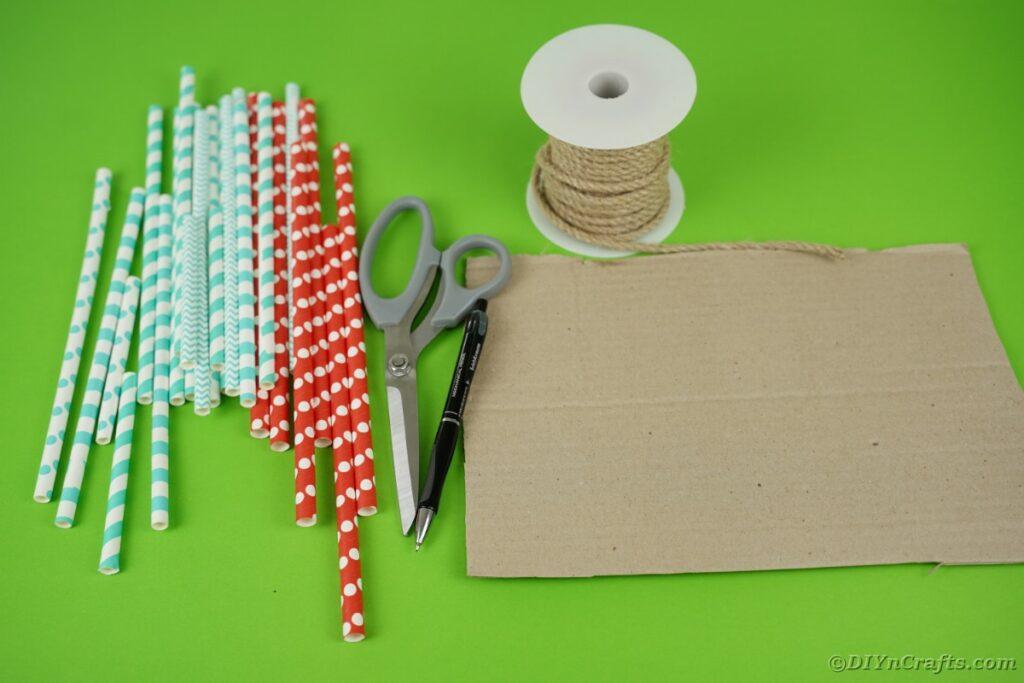 Forniture per cuori di paglia di carta
