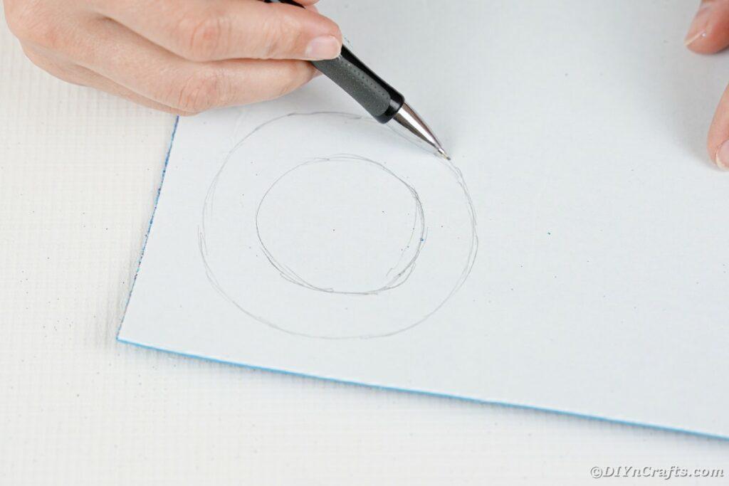 Zeichnen auf Schaumstoffpapier