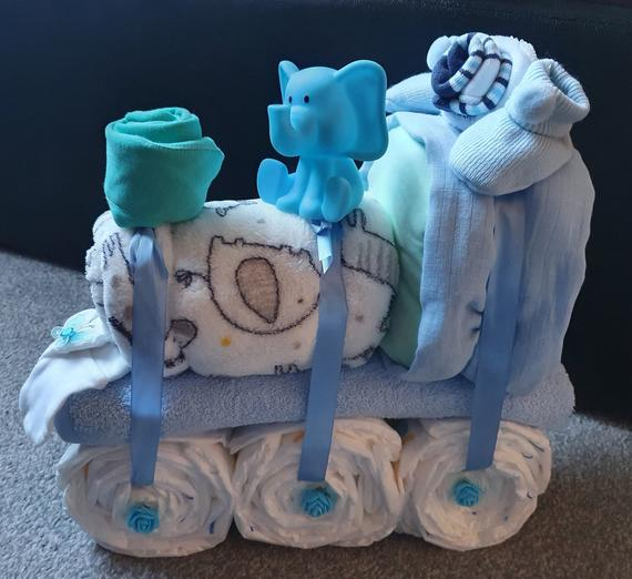 Train nappy cake | Etsy