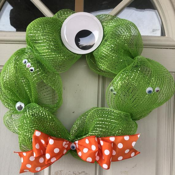 Halloween one eyed monster eyes front door wreath green | Etsy