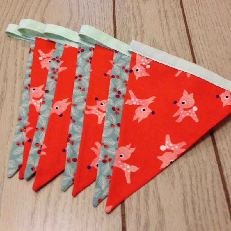 Kitsch Reindeer & Holly Bunting