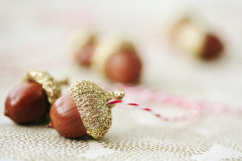 6 Acorn Ornaments / Gold / Glittered / Set of 6 / Holiday