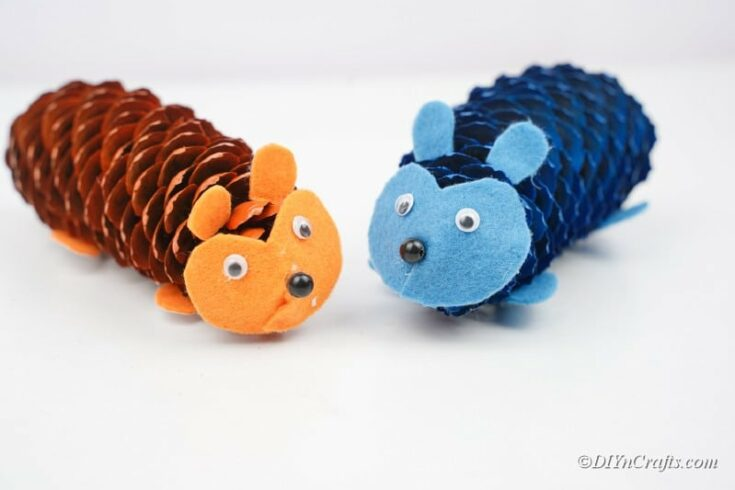 Quick and Easy Pinecone Hedgehogs Craft Idea