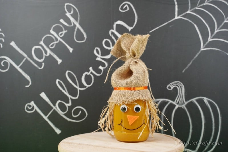 chalkboard jar craft idea scarecrow