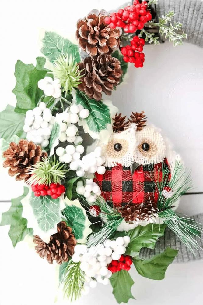 Garmhouse wreath with owl