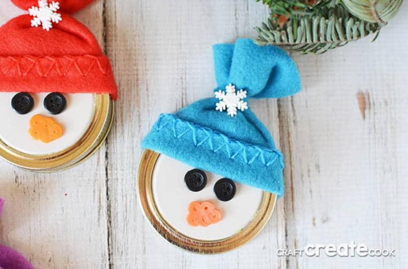 Mason jar lid snowman