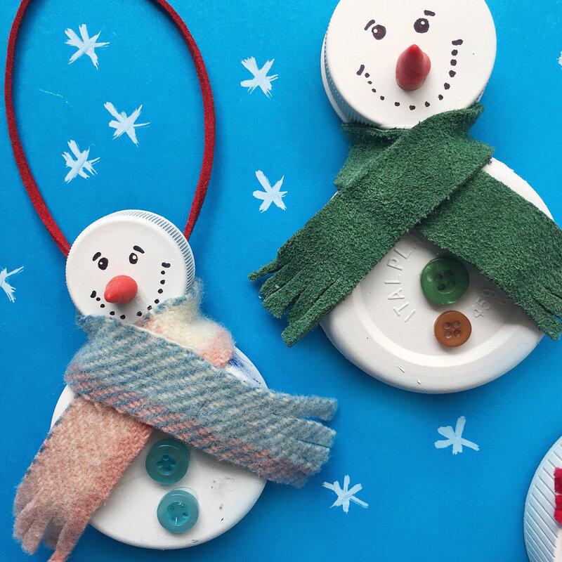 Bottle lid snowman ornaments