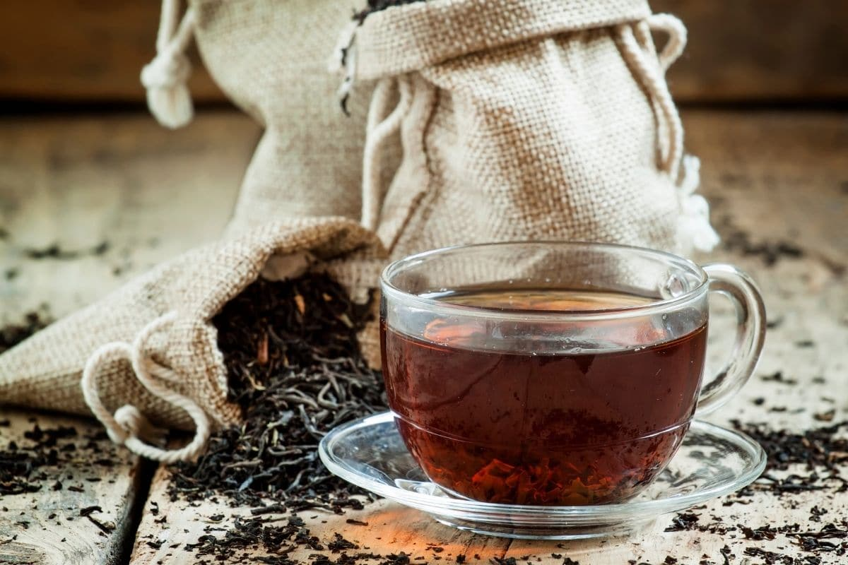 black tea in the table