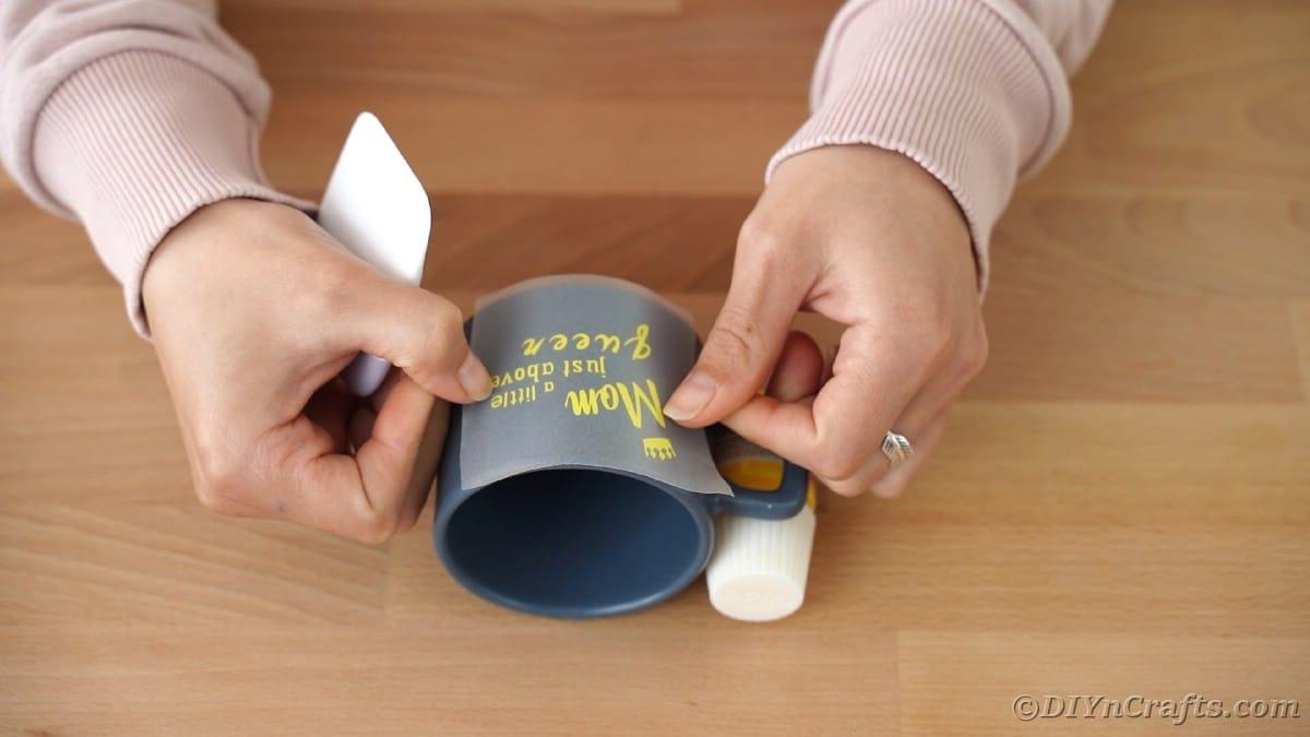 Centering vinyl onto blue mug