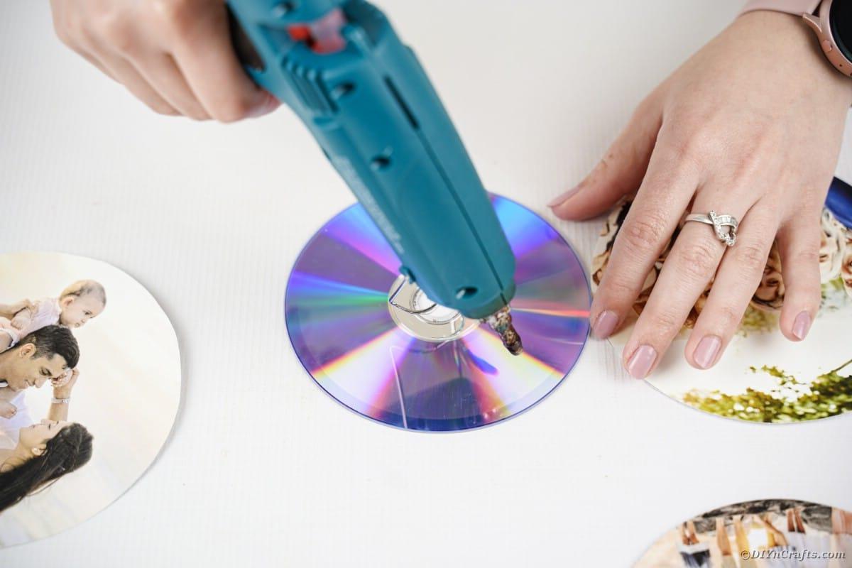 Aggiunta di colla al CD