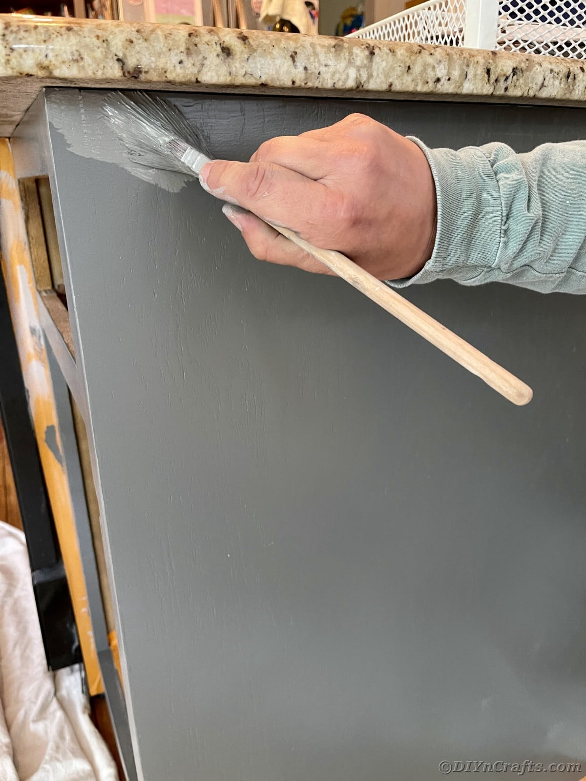 Hand painting cabinet