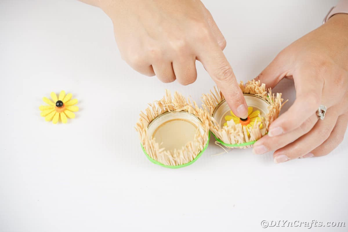 """Adding sunflower to middle of jar lid """"eye"""""""